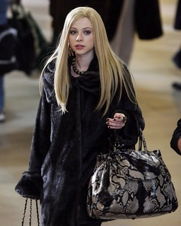 gallery_main-michelle-trachtenberg-blonde-gossip-girl-photos-03052010-01.jpg