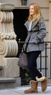 scenes_for_Gossip_Girl_on_Monday__November_1__in_New_York_City.jpg